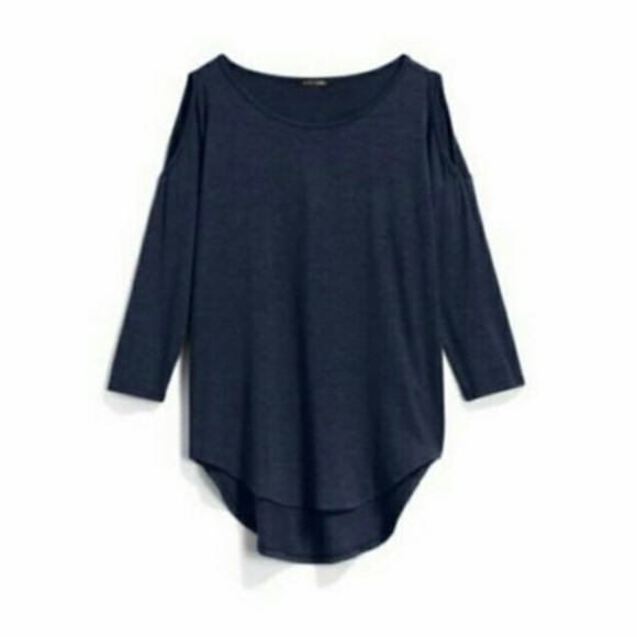 c64c23f23ac77a NWT Papermoon Aubrey Cold Shoulder Knit Top Navy